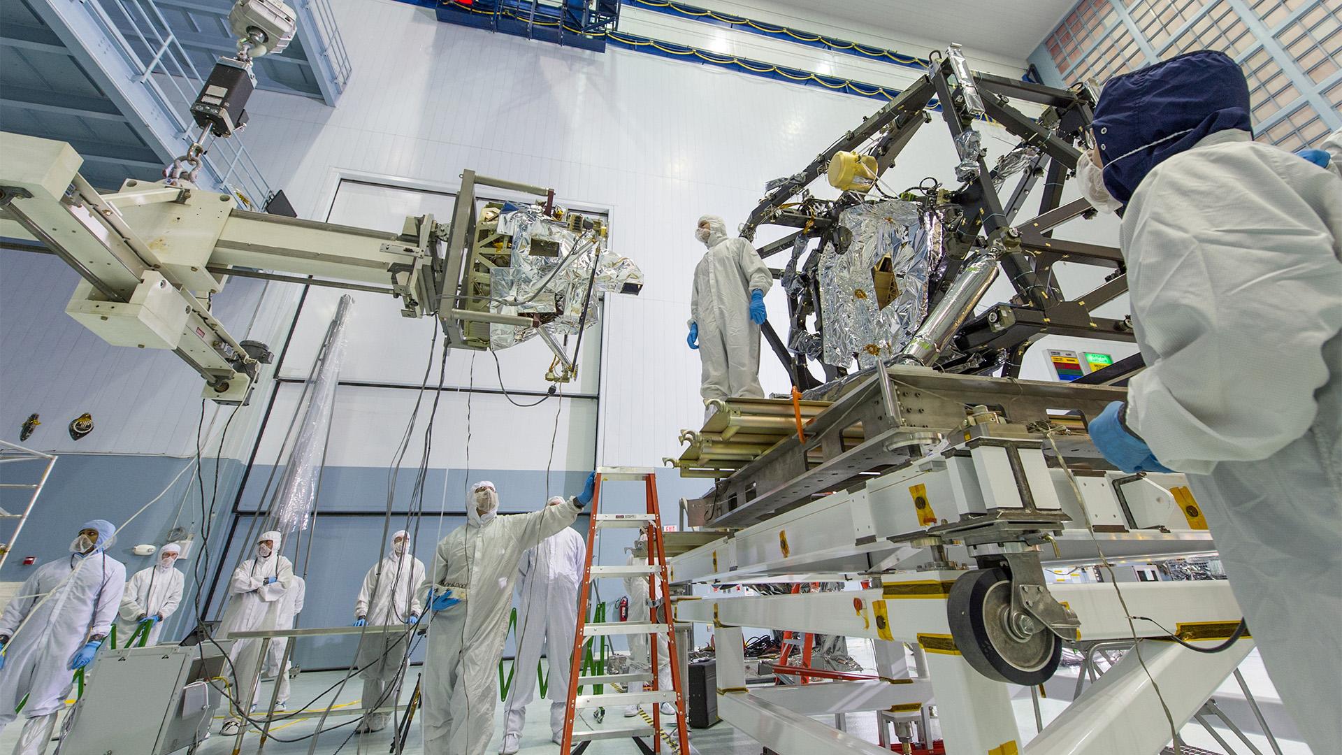 Phòng sạch trong lĩnh vực hàng không vũ trụ