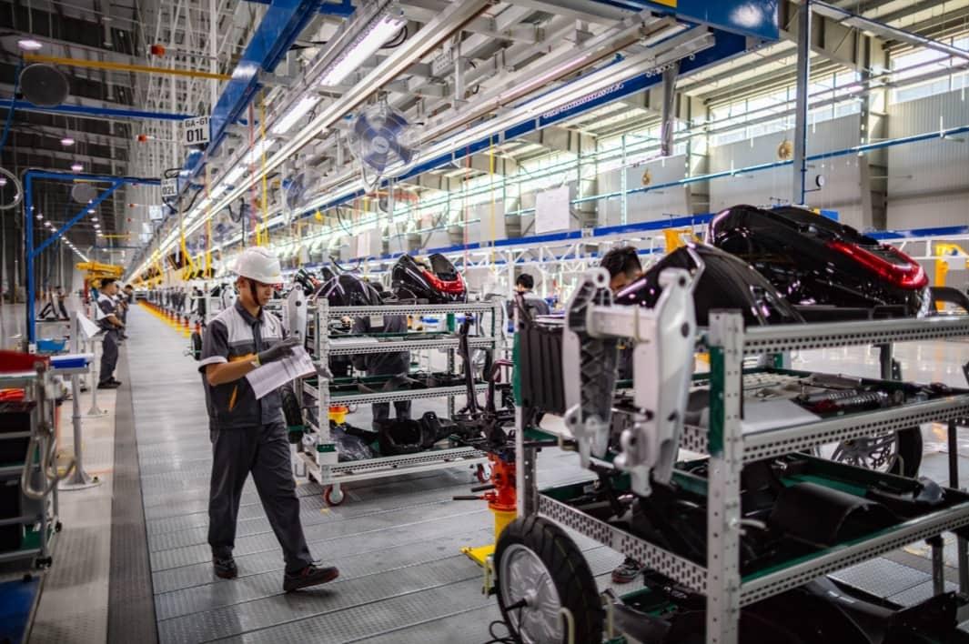 Thẩm định phòng sạch ứng dụng trong sản xuất ô tô